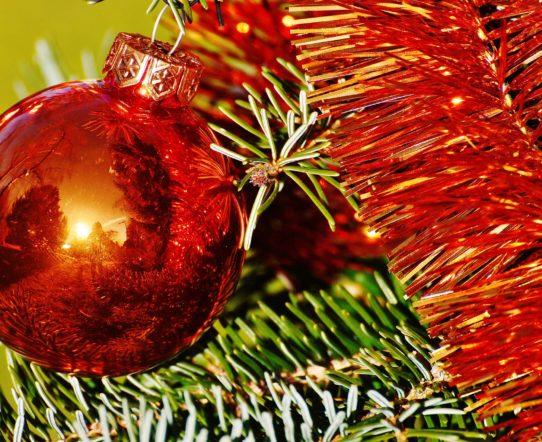 Bombki na choinkę to najważniejsza dekoracja świątecznego drzewka